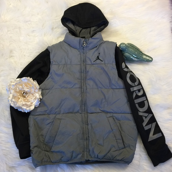 2bbfaa81bd42a2 Boy s Size Medium Nike Air Jordan Jacket Gray
